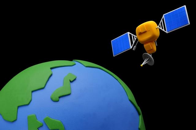 GPSは人工衛星からの信号で位置を知ることができる